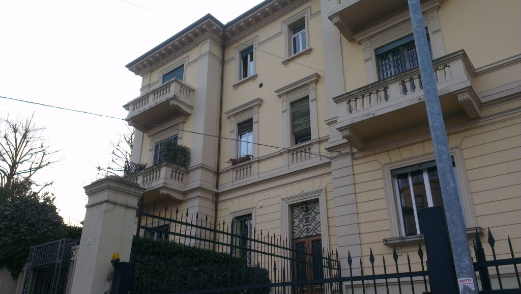 BOLOGNA - CENTRO STORICO APPARTAMENTO in VENDITA  €