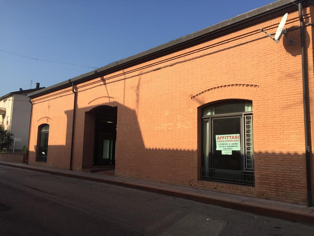 CASTEL SAN PIETRO TERME LOCALE COMMERCIALE in AFFITTO Osteria Grande €